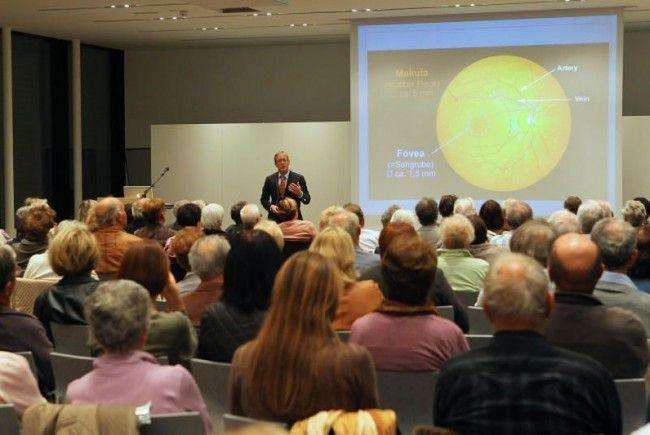 Primar der Augenheilkundeabteilung im Landeskrankenhaus Feldkirch Prof. Stefan Mennel