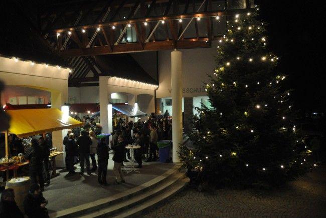 """Gute Stimmung und viele Besucher auf dem """"Klus'r Adventmarkt"""""""