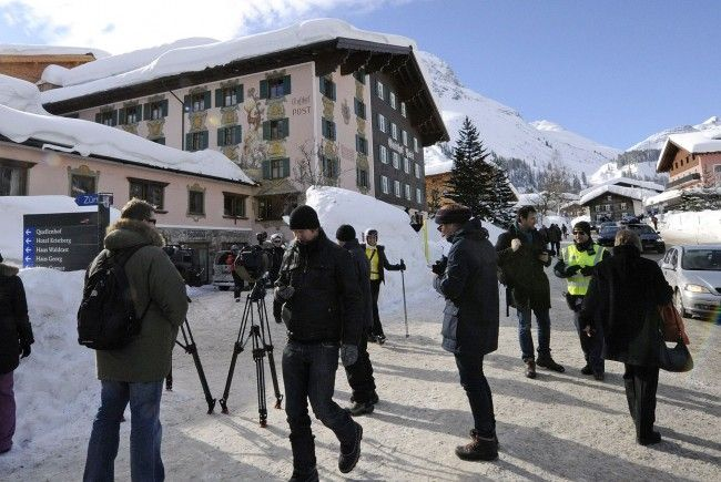 "Medienleute ""belagern"" das Hotel Post in Lech."