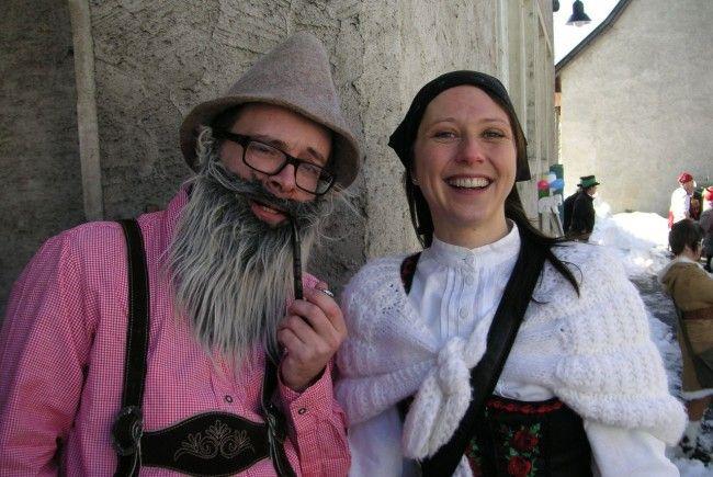 Dir. Silvia Müller und Cornelius Lorünser beteiligten sich mit ihren Schülern aktiv an der Fasnat
