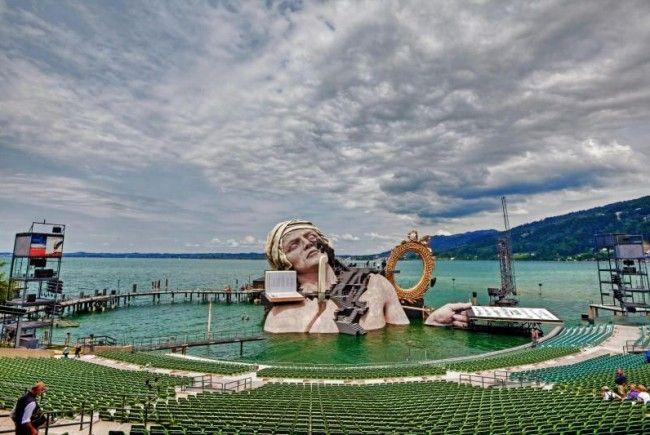 Die Bewerbungsfrist für die Intendanz für die Bregenzer Festspiele wurde mit dem 25. Mai 2012 festgelegt.