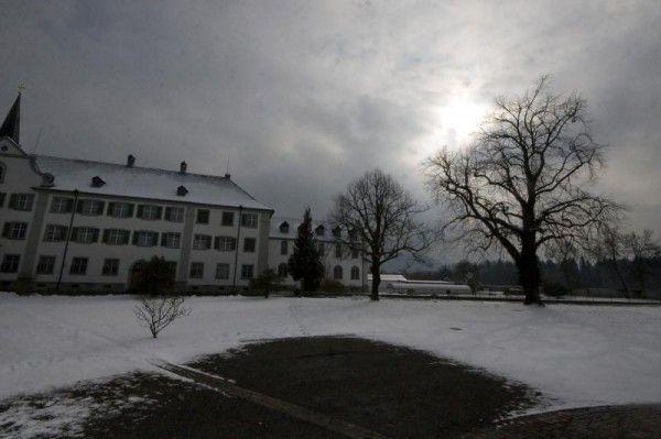 Ehemaliger Internatsschüler verlangt in Zivilgerichtsprozess 135.000 Euro an Schmerzengeld.