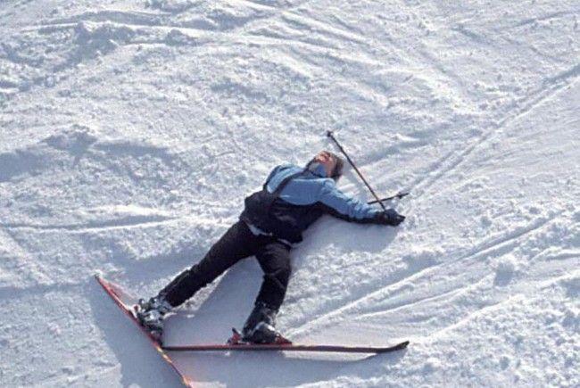 Slowake stürzte im freien Skiraum in Klösterle.