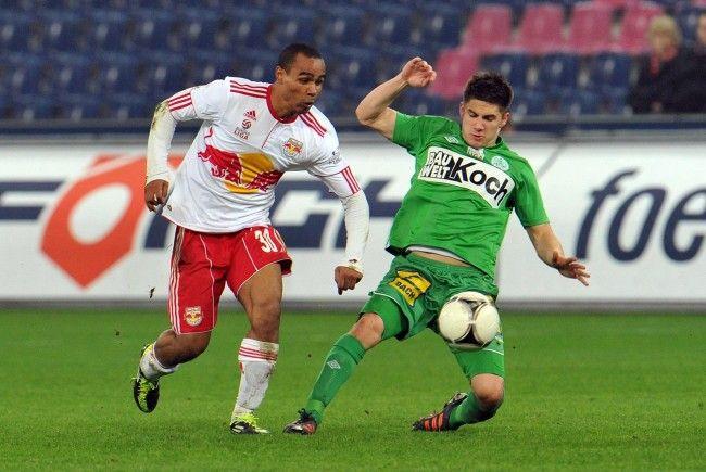 Salzburg kann in Mattersburg seinen Vorsprung auf Rapid ausbauen.