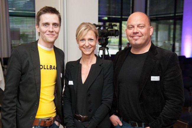 """VOL.AT-Geschäftsführer Georg Burtscher mit Kris Balasko und """"Werber"""" Lukas Konzett."""