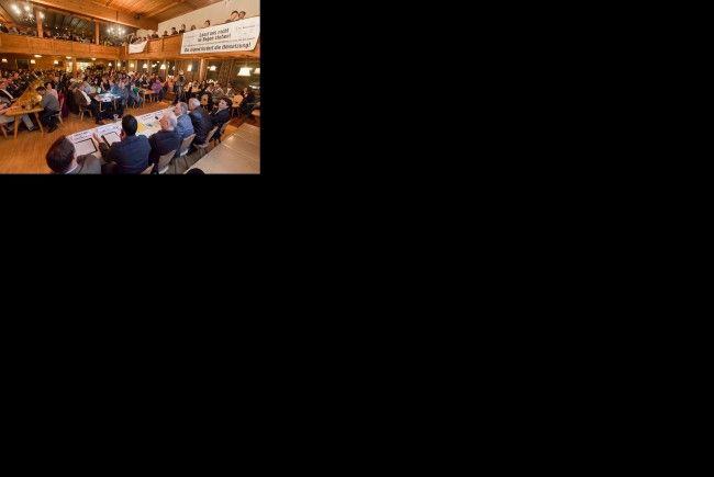 VN-Stammtisch mit Thema die Wälderhalle.