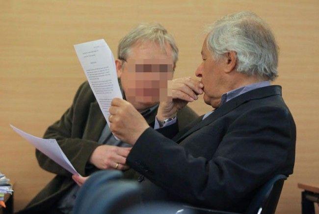 """Peter H. (links, mit seinem Anwalt Peter Cardona) zeigte sich am Dienstag zum Fall """"Walter Z."""" reumütig geständig."""