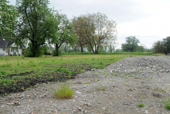 Nur bei vorhandenem Wegerecht darf ein baureifes Grundstück tatsächlich bebaut werden.