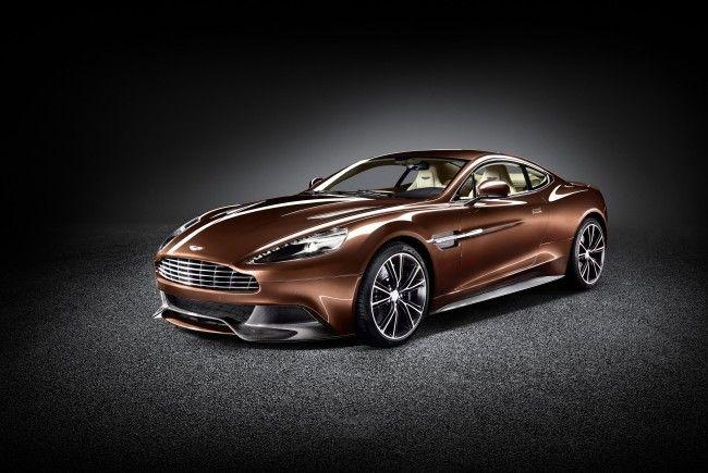 Ein Traum aus Aluminium und Karbon. Durch die neu konzipierte Karosserie wurde das Gewicht des Aston Martin Vanquish erheblich reduziert.