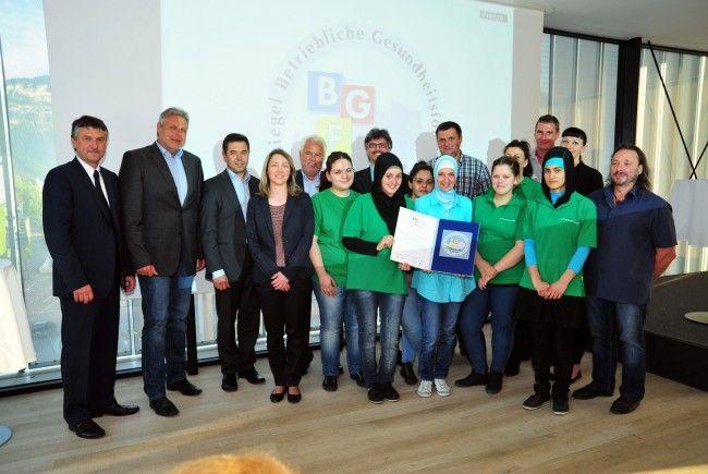 Große Freude beim Team der Dornbirner Jugendwerkstätten (DJW).
