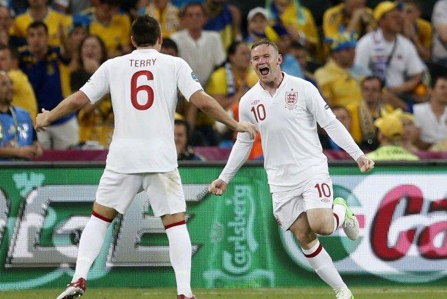 Wayne Rooney mit dem 1:0 für England.