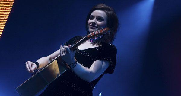 Amy Macdonald spielt ein kurzes Konzert in einem New Yorker auf der Mariahilferstrasse