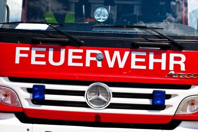 Der Wohnwagen einer Linzerin fing auf einem Campingplatz im Bezirk Vöcklabruck plötzlich Feuer.