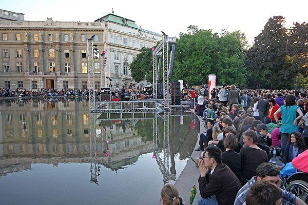 Das Popfest am Karlsplatz lockt seit den Anfängen Musikfreunde zu Seebühne und Co.