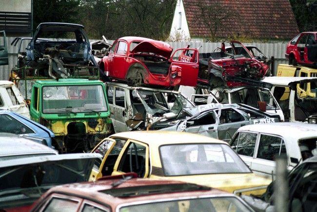 Im Jahr 2011 wurden in ganz Vorarlberg 63 Entsorgungsaufträge für solche Autowracks erwirkt.