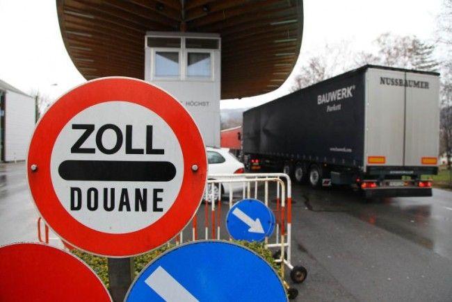 Was passiert am Zollamt Höchst? FPÖ-Verkehrssprecher Hagen glaubt, dass der Grenzübergang zurückgestuft wird.