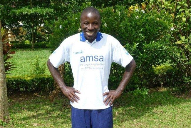 VfB Hohenems spendete Dressen nach Uganda.