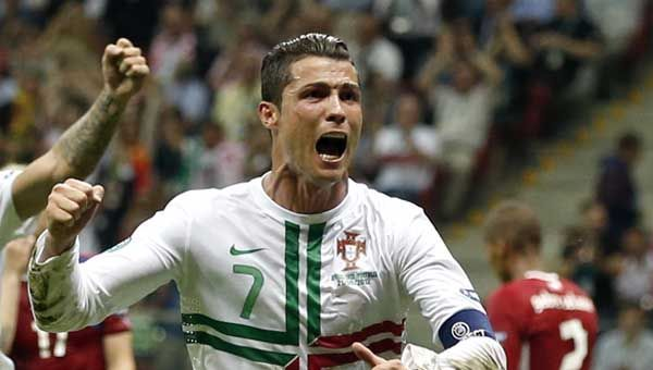 Gold-Tor durch Ronaldo.