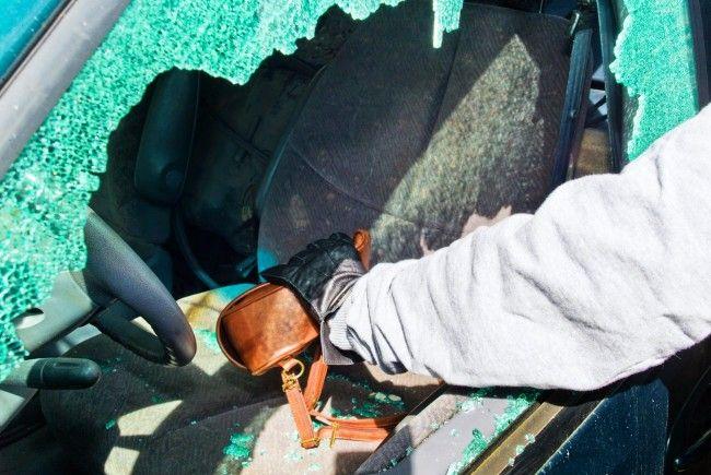 Das Auto ist kein Tresor: Jeder vierte Autofahrer animiert die Täter zum Einbruch.
