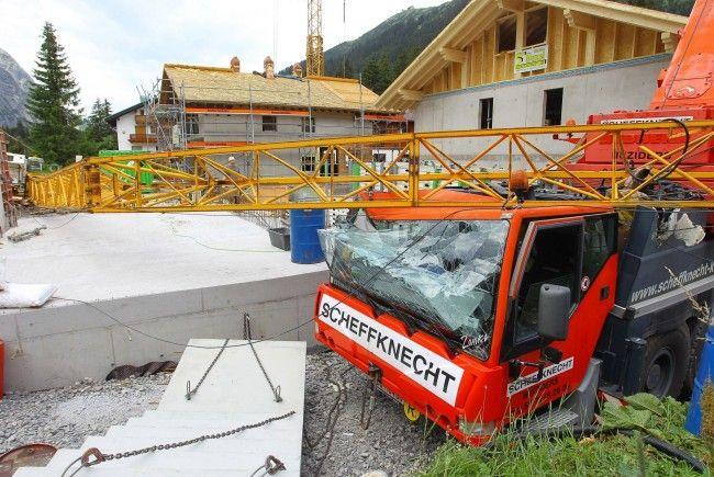 Baukran in Lech umgestürzt