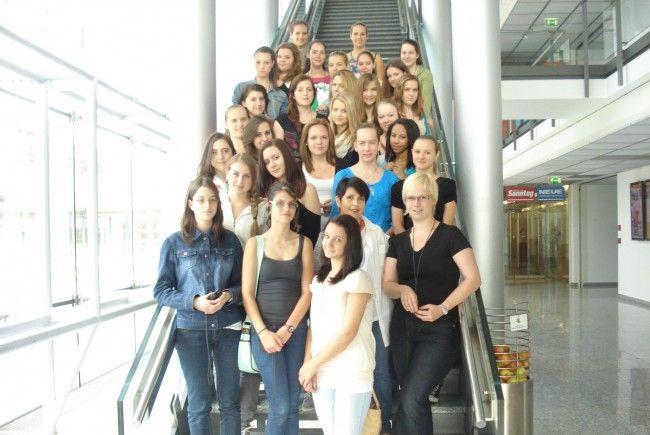1. Klasse der HLW Feldkirch im Vorarlberger Medienhaus
