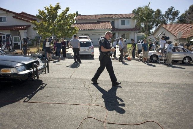 """Motiv des Schützen weiter rätselhaft - Verdächtiger gab sich bei Polizei als Bösewicht """"Joker"""" aus."""