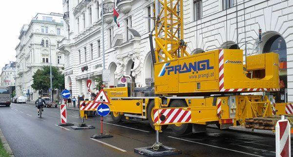 Bauarbeiten belegen einen Fahrstreifen auf der Währingerstraße - unser Leserreporter hielt den Moment fest