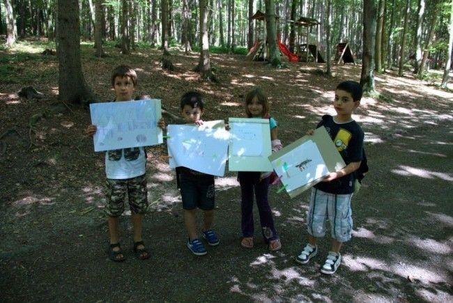 Eine Ferienkindergruppe aus Götzis besuchte den Wildpark und Zeichnungen von Tieren wurden angefertigt