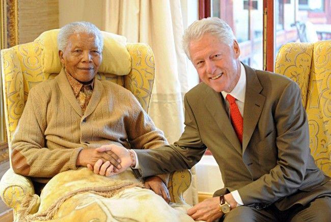 Auch Ex-US-Präsident Clinton reihte sich in die Riege der Gratulanten ein.