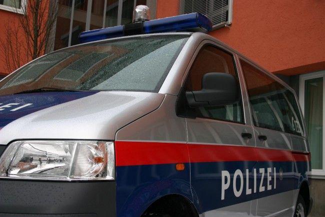 Drei jungen Männern werden Einbrüche in drei Bludenzer Lokale zur Last gelegt.