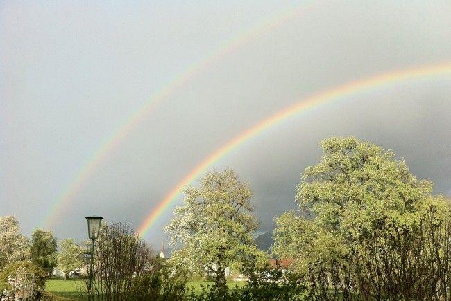 Sonnenschein statt Regenbogen: Am Montag kommt der Sommer zurück.