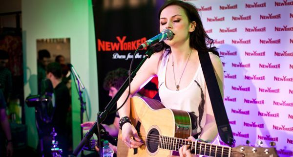 Amy Macdonald spielte unplugged in Wien.
