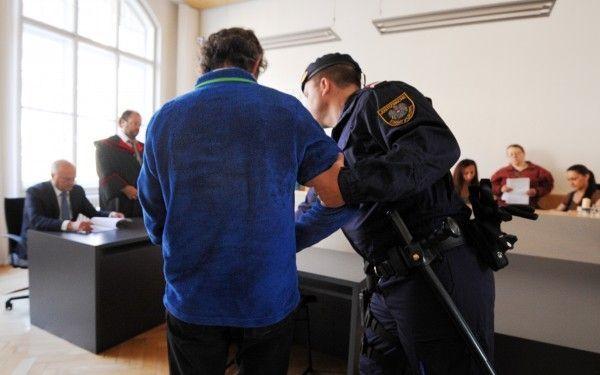 """Inzestprozess in Feldkirch - Angeklagter bestreitet Vorwürfe und spricht von """"Rache"""""""