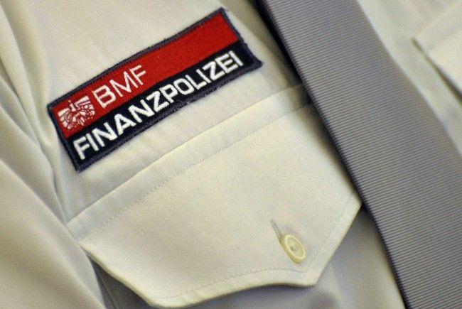Im ersten Halbjahr 2012 beschlagnahmten die Beamten der Finanzpolizei über 50 Glücksspielgeräte in Vorarlberg.