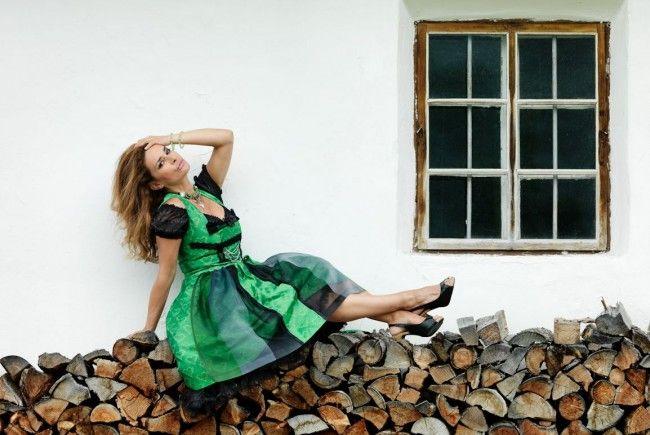 Gitta Saxx präsentiert die neue Trachtenmode.
