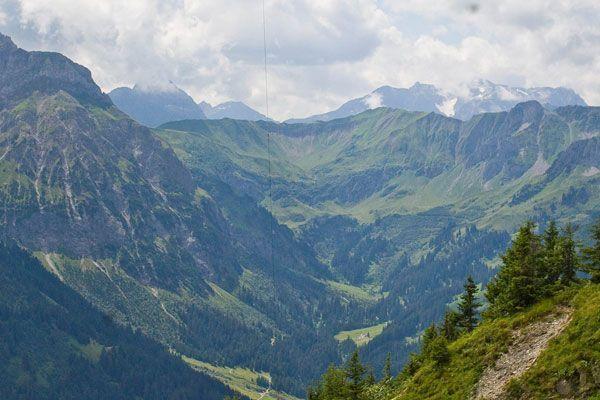 Alpinist stürzte an die 100 Meter ab und erlitt tödliche Verletzungen.