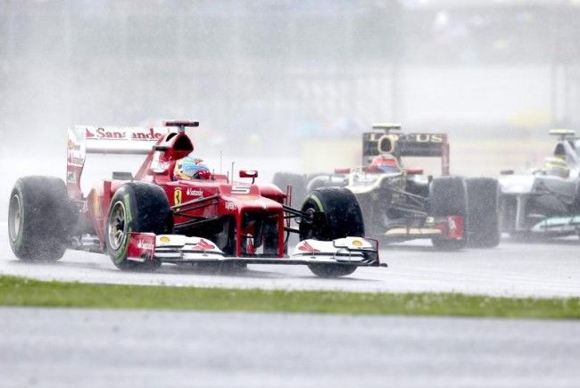 """Ferrari-Star Alonso holt sich in Silverstone 21. """"Pole"""" seiner Karriere."""