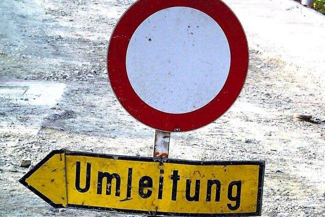 Großräumige Umleitung des gesamten Verkehrs in Götzis.