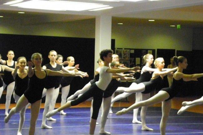 Begeisterte Tanzteilnehmer