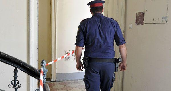 Polizei hat in einer Wohnung in Wien die Leiche eines 72-jährigen Pensionisten gefunden.