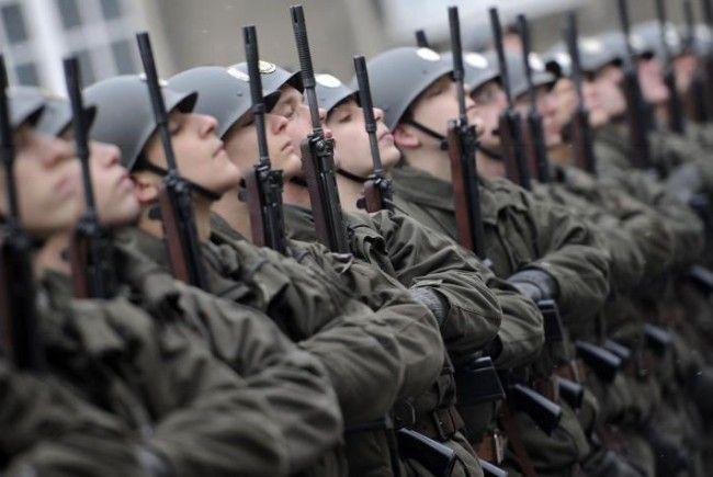 Nö Landeshauptmann tritt für Volksabstimmung über Wehrpflicht ein und erfreut damit SPÖ