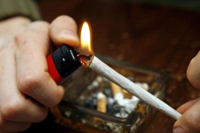 Cannabis: verdummende Wirkung vor allem bei Jugendlichen.