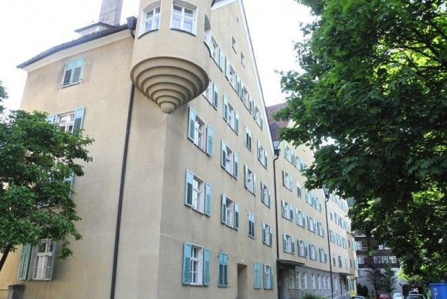 Dies denkmalgeschützte Wohnhäuserreihe zählt zu den eindrucksvollsten im Innenstadtbereich