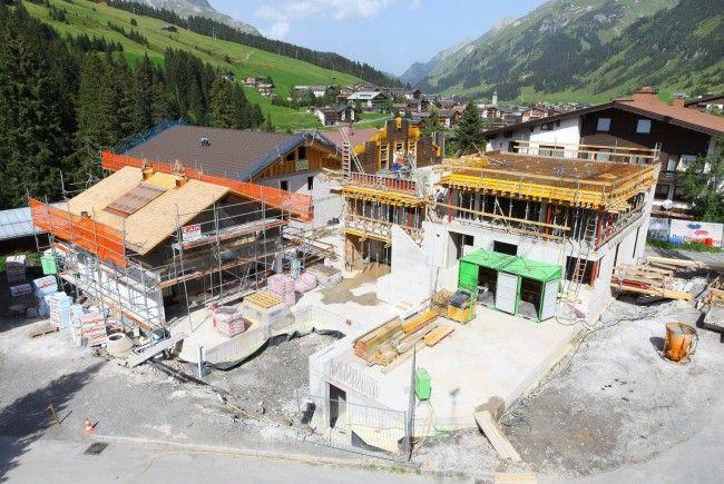 """Lech Lodge"" soll bis November fertig sein."