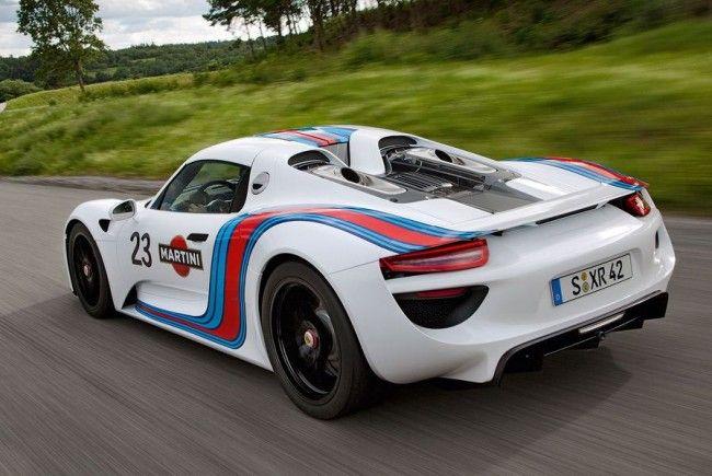 Den 918-Spyder wird es werksseitig im legendären Martini-Racing-Design geben.