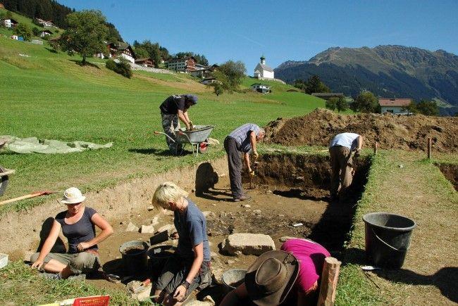 """Ausgrabungen bei """"Montafon steht im Zeichen der Archäologie""""."""