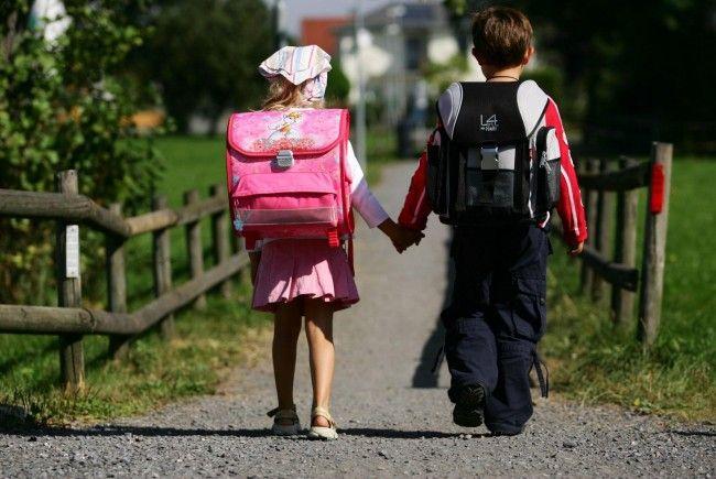 Kinder auf dem Schulweg: Erwachsene haben Vorbildwirkung.
