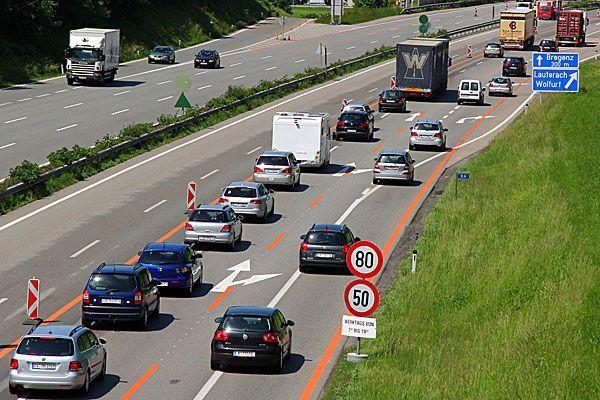 Wieder einmal versinkt Bregenz an einem Freitag Abend im Verkehr.