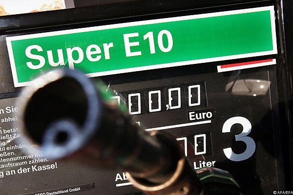 Die Diskussion um die Einführung von E10 in Österreich hält weiter an.