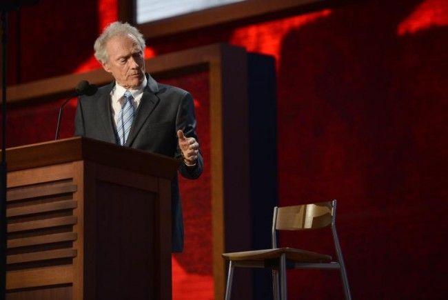 Eigenartiger Auftritt von Clint Eastwood